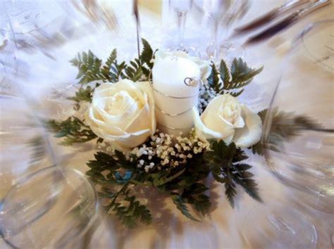 centrotavola con candele per matrimonio centrotavola matrimonio con candele e passaro sposa