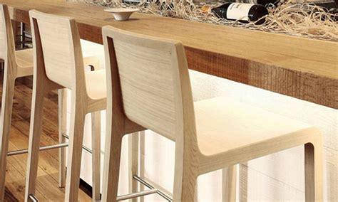 sgabello di legno vendita di sgabelli in legno per arredare bar e pub dsedute