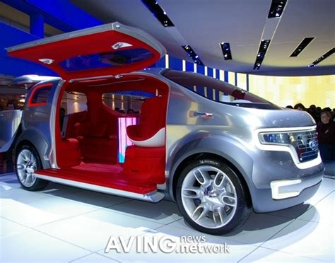 Ford Airstream Hybrid Comfort by Detroit Usa Aving Special Report On 2007 Naias