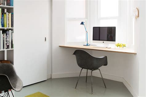 small desk for room 21 small desk ideas for small spaces
