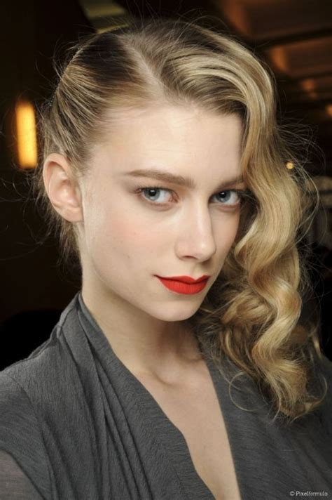 blonde hairstyles to look younger 101 chic side swept hairstyles to help you look younger