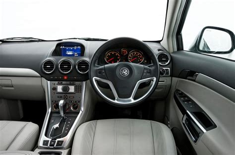 opel antara interior vauxhall antara review 2017 autocar