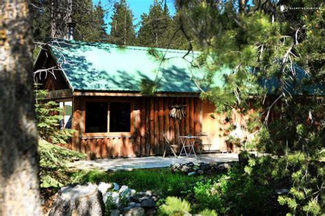 Cabins Yosemite National Park by Log Cabin Next To Yosemite National Park California