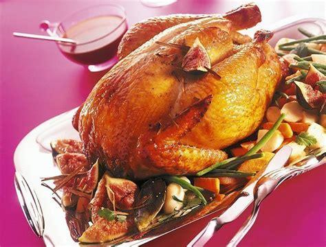 cuisine chapon roti recette de chapon r 244 ti aux figues pour le r 233 veillon