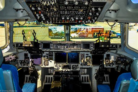 Home Decor Globe boeing c 17 globemaster iii cockpit photograph by tommy