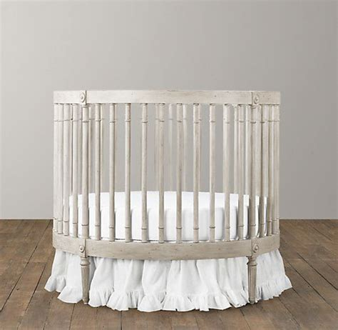 Circle Baby Bed by 25 Best Ideas About Cribs On Baby Cribs