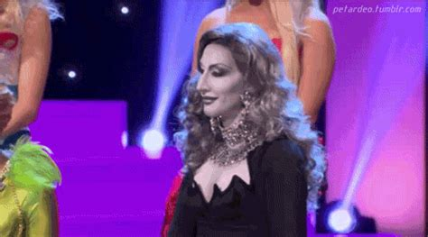 Detox Rupaul S Drag Race Clothes by Rupauls Drag Race Detox Gif Find On Giphy