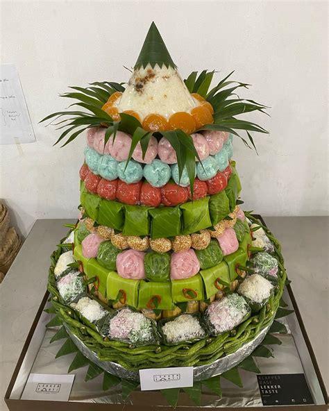 tampil modis   bisa beli tumpeng kue basah  cantik