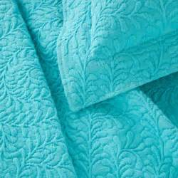 turquoise coverlet 498 best bedding images on pinterest bedrooms