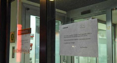 oggi sciopero banche banche sar 224 un venerd 236 nero sciopero per i tagli in busta