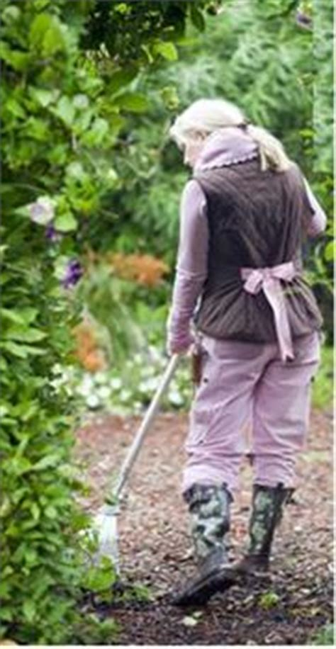 united states  america garden girl usa unveils women