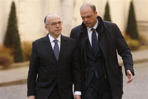 ministerio interior francia el ministro interior franc 233 s bernard
