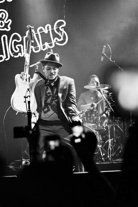 biography de bruno mars en ingles doo wops hooligans tour wikipedia la enciclopedia libre