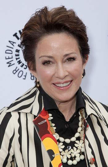 patricia heaton hairstyle first season short haircuts for thick hair sophisticated allure