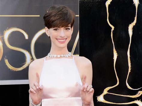 A Closer Look At The Oscars Hathaway by жѧґ World Hathaway S Oscar Designer Apron Dress