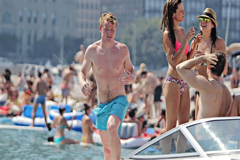 chicago lake michigan boat party chicago scene boat party charter boats available