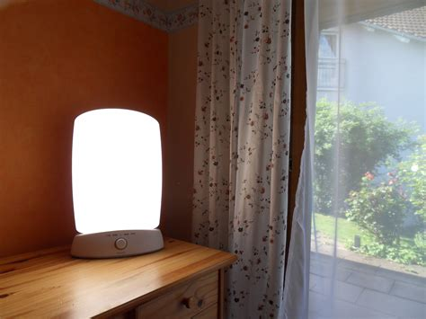 Light Ls For Sad by File Light Therapy L And Sunlight Jpg Wikimedia Commons