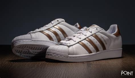Sepatu Adidas Superstar White Gold shop adidas superstar white gold at the sneakers shop thepoint es