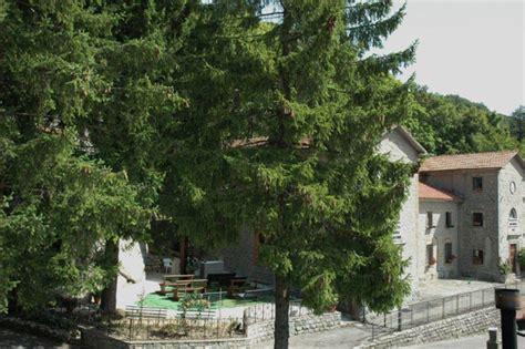 hotel con vasca idromassaggio in umbria appennino tosco romagnolo piscina coperta vasca