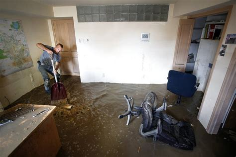 5 tips for preventing cleaning up a wet basement