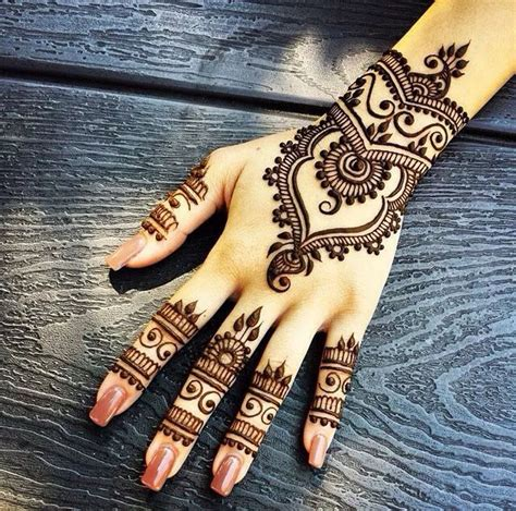 stylish designs 2017 new year mehndi designs