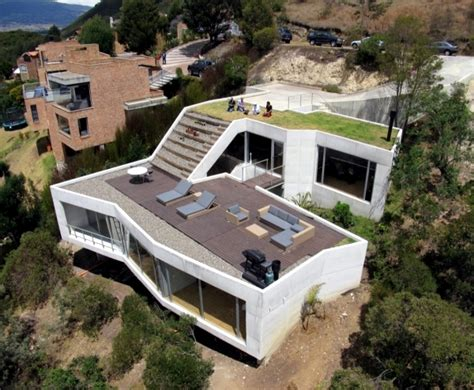 building a house on a slope the meet build house on a hillside special requirements of