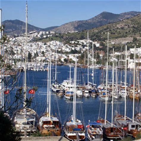 catamaran boot bodrum motorboot huren bodrum turkije varen zeilboot verhuur