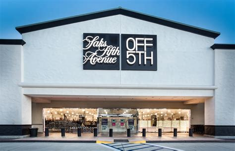 Saks Fifth Avenues One Day Of Savings by Saks Fifth Avenue 5th To Open In Farmington On