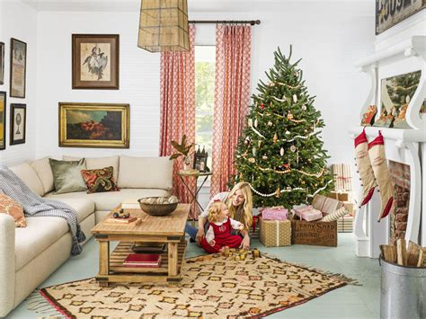 55 dreamy christmas living room d 233 cor ideas digsdigs dining room table centerpieces setting farmhouse unique