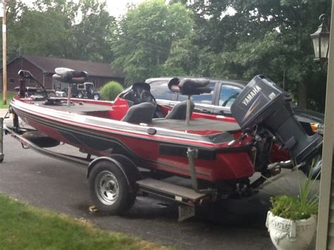 kbb bass boats skeeter for sale illinois 61428 dahinda 10000 boat