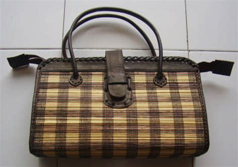 Tas Lidi Kecil picture of business stmanis