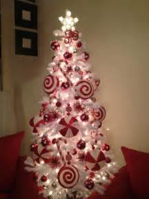 the 50 best and most inspiring christmas tree decoration ideas for 2017