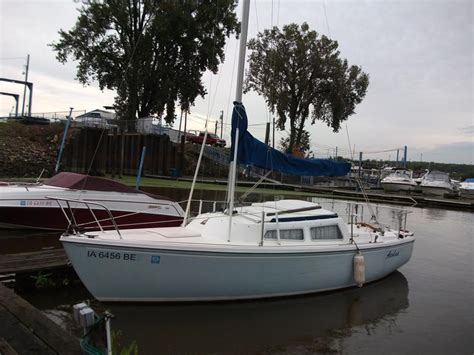 swing keel sailboats for sale 1982 catalina 22 swing keel sailboats