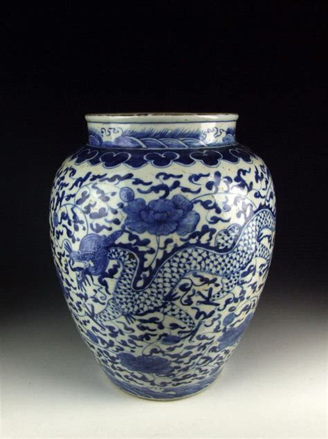 white porcelain l base antique blue and white porcelain vase w