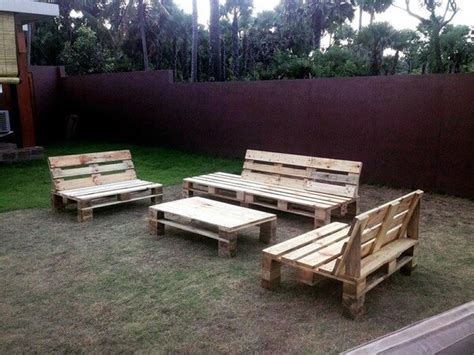 Diy Shipping Pallet Garden Seating Set Ideas With Pallets Pallet Patio Furniture Ideas