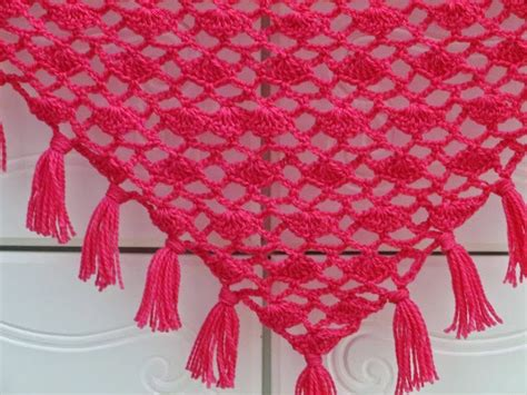 Free Crochet Pattern Triangle Wrap | crochet dreamz tyra triangle shawl free crochet pattern