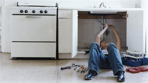 what to do if you leaky pipes in the kitchen or