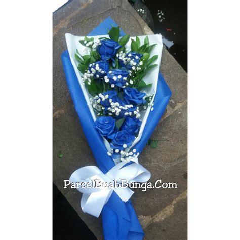 Buket Mawar Biru Handbouquet Mawar Biru Bunga Mawar Biru Asli buket mawar biru 081283676719 parcel buah bunga