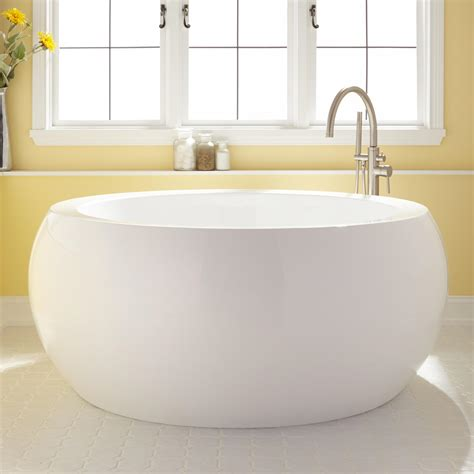 acrylic soaking bathtub 61 quot arturi round acrylic soaking tub
