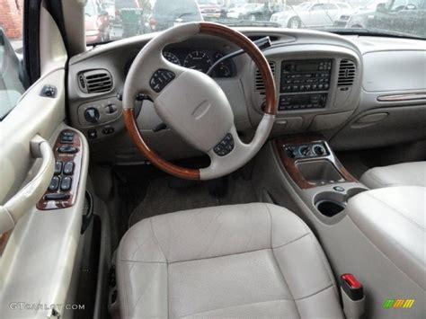 2000 Lincoln Navigator Interior medium parchment interior 2000 lincoln navigator 4x4 photo