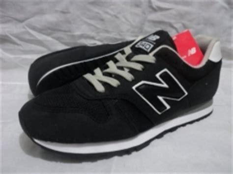 Harga Sepatu New Balance Hitam Putih sepatu olahraga original keren adidas asics onitsuka
