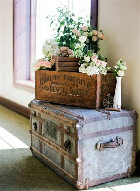 vintage chic home decor 60 id 233 es avec la valise vintage archzine fr