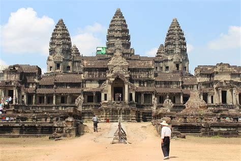 talkkhmer architecture wikipedia file angkorwat rear jpg wikimedia commons