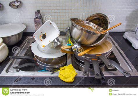 cuisine sale ustensile sale sur la cuisine photo stock image du