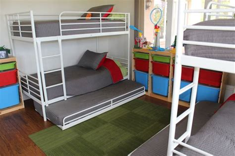 5 beds in one room how to fit 6 beds in one room for the home