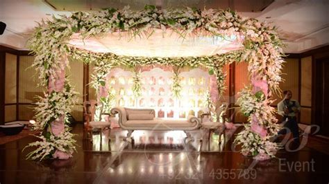 how to plan good wedding stage decoration in Pakistan. See