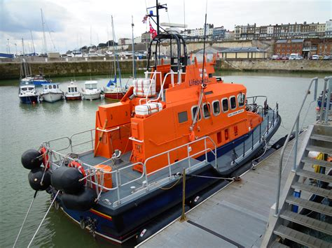 boat store open on sunday file sunday 4 april 2010 relief ramsgate lifeboat corinne