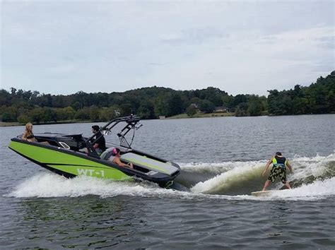 heyday boats california bayliner boats acquires two heyday wakesurf models