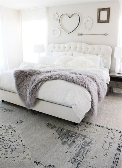 bedrooms with white comforters 25 best white bedding ideas on white