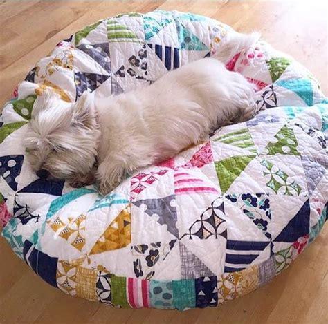 Patchwork Pet - simple patchwork makes a pet bed quilting digest